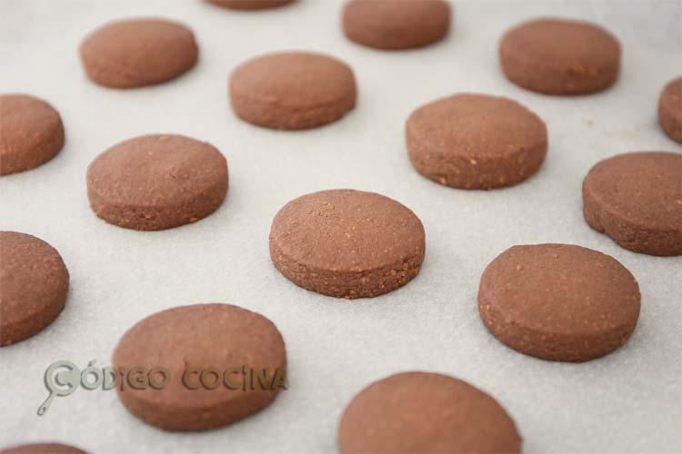 hornear polvorones caseros de chocolate