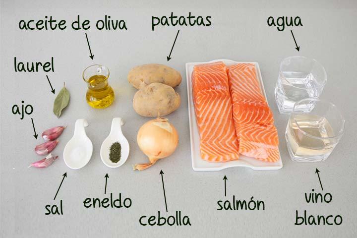 Ingredientes para hacer salmón al horno con patatas