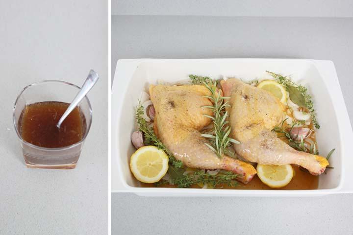 Mezclar los ingredientes líquidos y regar el pollo