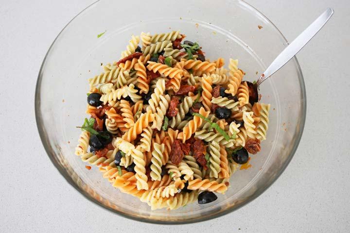 Ensalada de pasta aliñada con vinagreta