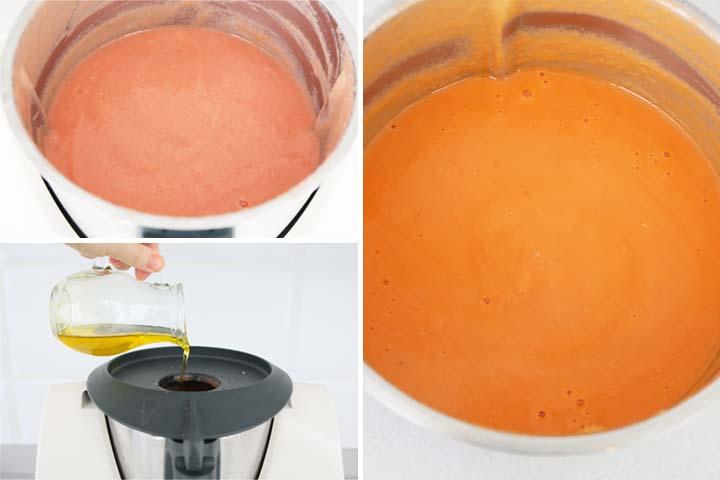Triturar el salmorejo hasta obtener una crema fina